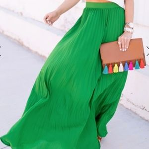 Dresses & Skirts - New High Waisted Green Long Pleated Skirt  S
